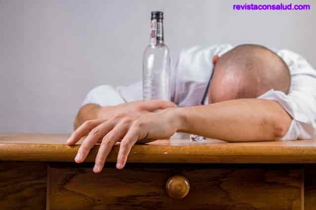 El Alcoholismo es una Enfermedad Mental o Hereditario