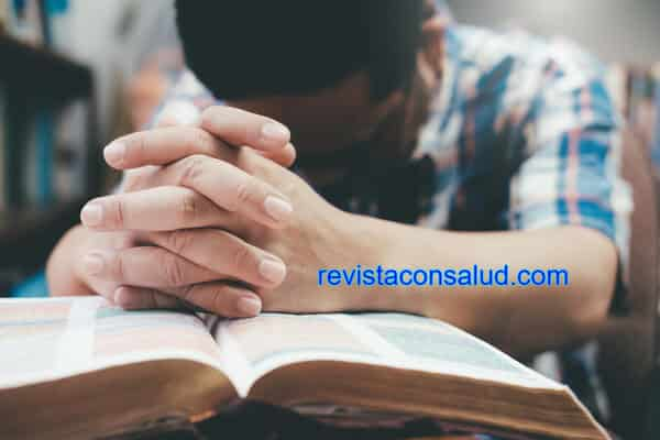Qué Significa Soñar Orando Por Otra Persona